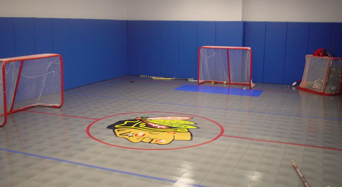 hockey-room-with-wall-padding
